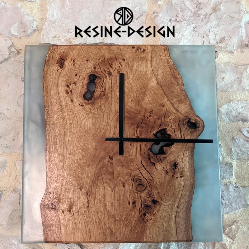 Horloge en bois et résine fait main et de fabrication Française.